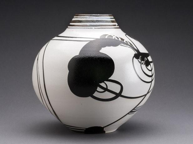 Dewsnap_Vase Form_2013